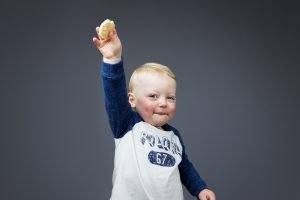 child portrait with snacks | photography
